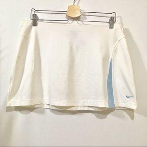 Nike white tennis skirt NWOT